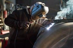 焊工在工作 免版税图库摄影