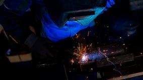 焊工工作大角度看法  库存图片