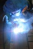 焊工工作 免版税库存图片