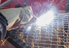 焊接与一刹那光的一张净桌 免版税库存照片