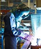 焊接与火花钢铁工业焊接 免版税图库摄影
