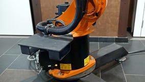 焊接和聚集的产业机器人胳膊 图库摄影