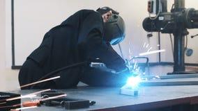 焊接在生产运作 影视素材
