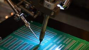 焊接由靠机械装置维持生命的人 股票录像