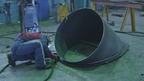 焊接钢分开与气体电弧焊接 股票视频