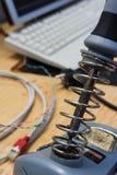 焊铁特写镜头工程学工作区书桌电子我 免版税图库摄影
