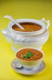 焙盘和碗harira汤 免版税库存图片