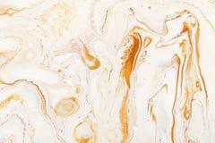 焦糖动力学和可变的光栅纹理 抽象丙烯酸漆混合物颜色背景 洗染,液体流程表面 库存图片