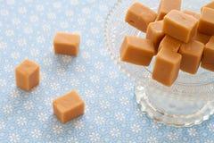 焦糖奶糖,在etagere的乳脂软糖 库存图片
