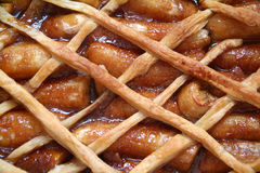 焦糖的香蕉酥皮点心 免版税图库摄影