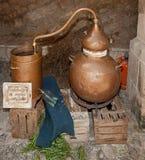 仍然铜制造的酒精 免版税库存照片