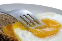 煎的早餐鸡蛋 免版税库存照片