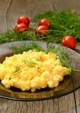 煎蛋卷用草本和菜 图库摄影