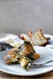 煎蛋卷用野生蘑菇和菠菜 图库摄影