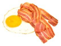 煎蛋和烟肉更卤莽 免版税图库摄影