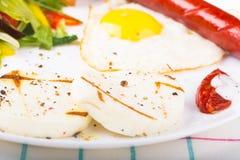 煎蛋和香肠 免版税图库摄影