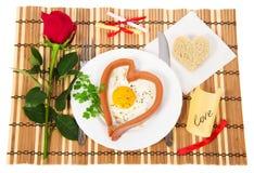 煎蛋在心脏 免版税图库摄影