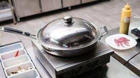 煎锅厨房器物专家餐馆 库存图片