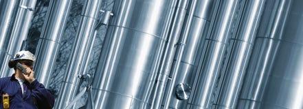 煤气管,在精炼厂里面的传递途径 库存照片