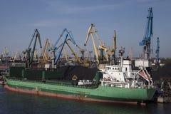 煤炭充电的港口 库存图片