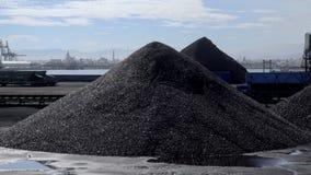 煤炭大库存在塔拉贡纳口岸的 股票录像
