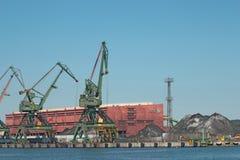 煤炭存贮终端在格丁尼亚 免版税库存图片