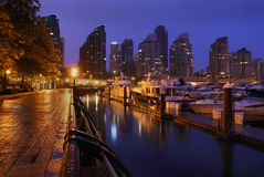 煤炭港口小游艇船坞早晨 图库摄影