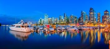 煤炭港口的日落全景温哥华不列颠哥伦比亚省wi的 免版税库存图片