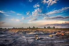 煤炭的生产在我的 库存图片
