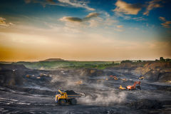 煤炭的生产在我的 免版税库存照片