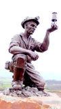 煤矿工人的雕象 库存图片