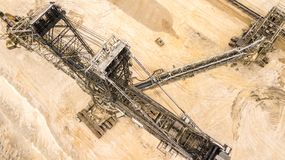 煤矿巨型挖掘机鸟瞰图在德国 库存照片