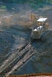 煤矿开采坑主街上 免版税库存照片