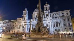 照亮在晚上四条河timelapse hyperlapse的fontana在纳沃纳广场的在过去的Sant'Agnese的 股票视频