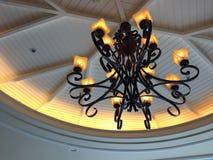 照明设备和天花板室内设计的 免版税库存图片