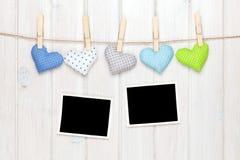 照片框架和华伦泰玩具心脏 库存图片