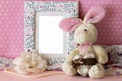 照片框架用女用连杉衬裤兔子 免版税库存图片