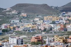 照片殖民地现代大厦的图象映象在La Camella Los Cristianos特内里费岛加那利群岛西班牙的 免版税库存照片