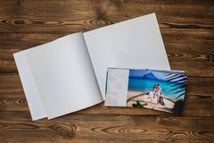 照片空白的小册子盖子 库存图片