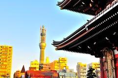 照片sensoji天空被采取的塔结构树 免版税库存图片