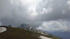照相机去从史诗山全景的天空 免版税库存照片