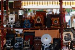照相机和其他葡萄酒事待售在巴塞罗那 免版税库存图片