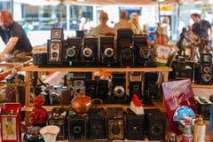 照相机和其他葡萄酒事待售在巴塞罗那 库存照片