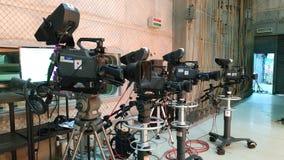 照相机广播在电视演播室 免版税库存照片