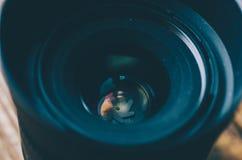 照相机接近的深度向场透镜照片浅非常 免版税图库摄影