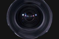 照相机的透镜数字式有黑暗的背景 免版税图库摄影