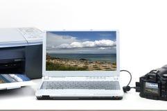 照相机笔记本照片打印机 免版税库存照片