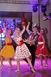 仿照60 ies -执行圣彼德堡音乐厅的马戏团的舞蹈家样式的编舞缩样 图库摄影