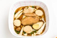 煮沸的中国意大利面食正方形 免版税库存图片