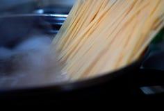 煮沸的意大利面食 免版税图库摄影